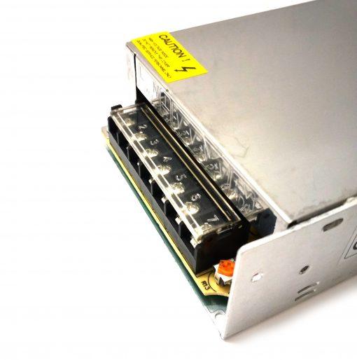 Transformador de LED 24V 6.25A 150W IP20 con ventilador