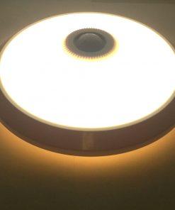 Plafón de LED con sensor de movimiento encendido